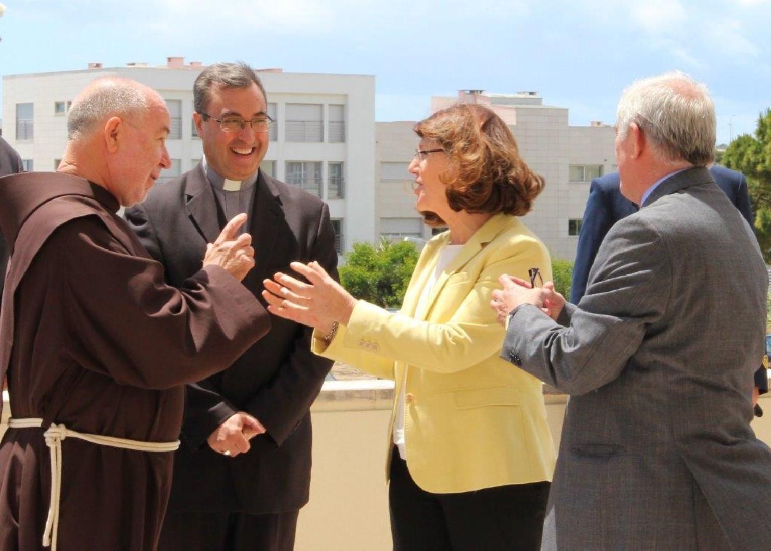 Em Oeiras_Visita Pastoral de Dom Manuel Linda ao Instituto de Apoio Social das Forcas Armadas