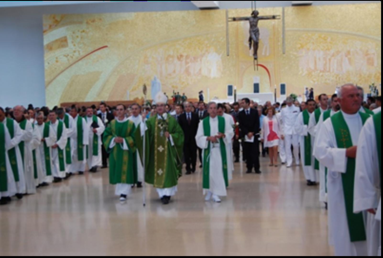 Na Igreja da Santissima Trindade_Fátima_33 Peregrinacao Militar