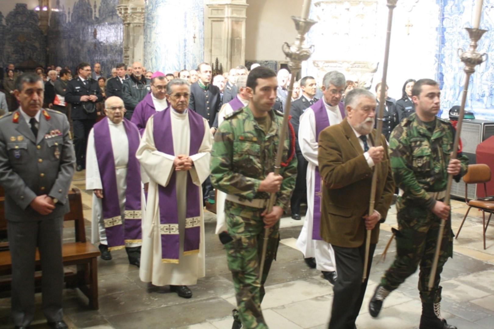 Na Igreja de Sta Cruz_Coimbra_Celebração Pascal na Brigada de Intervencao